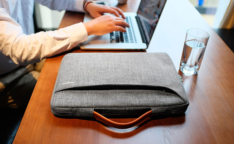 tomtoc 15.6 inch laptop sleeve