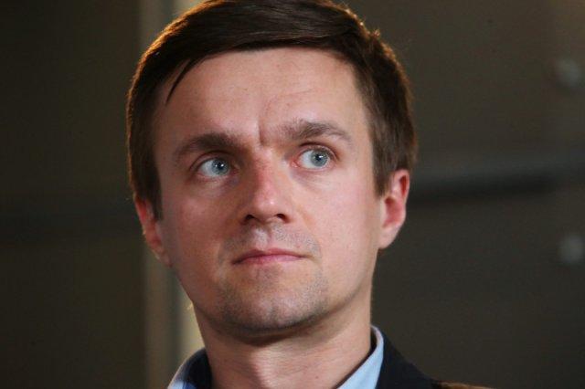 Jego dziadek nie pozwolił w PRL-u na zdjęcie krzyża. On walczy o zaprzestanie finansowania religii z budżetu