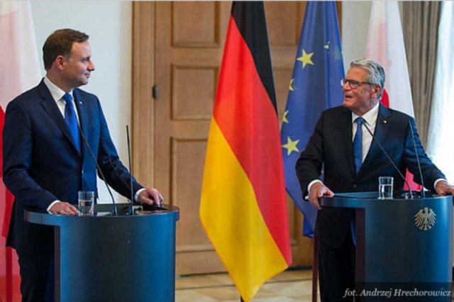 Andrzej Duda nie powinien wykorzystywać zagranicznych wizyt, by źle mówić o Polsce.