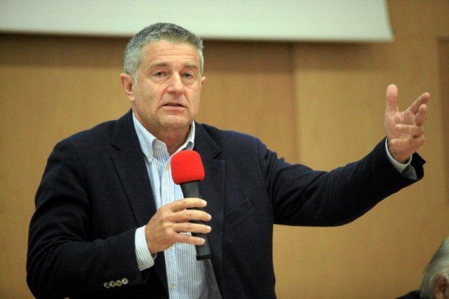 """Władysław Frasyniuk w """"Faktach po faktach"""" użył mocnych słów krytykując Andrzeja Dudę."""