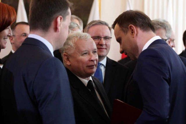 """""""Fakt"""": Doszło do kolejnego nocnego spotkania Duda-Kaczyński."""