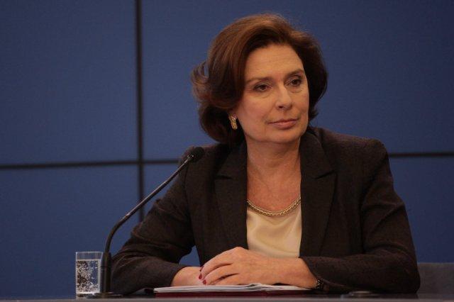 """Rzeczniczka rządu Małgorzata Kidawa-Błońska ocenia kandydaturę Beaty Szydło na premiera. """"Nie jestem przekonana czy byłaby dobrym premierem"""" - mówi."""