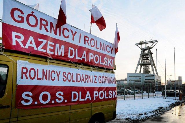 W ostatnich dniach górnicy zyskali wsparcie niezadowolonych z działań rządu Ewy Kopacz rolników.