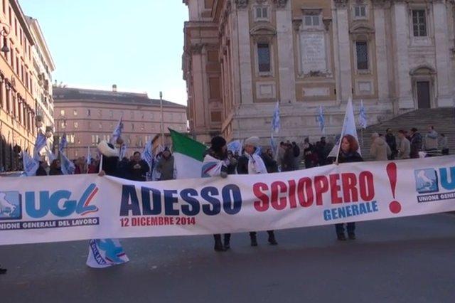 Setki tysięcy Włochów wyszły na ulice protestować przeciwko reformom Renziego.