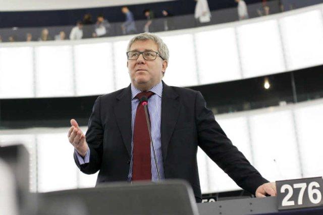 Ryszard Czarnecki przekonuje, że wolna Polska będzie wtedy, gdy każdy będzie mógł śpiewać co chce i nikt nie będzie mu za to czynił wyrzutów.