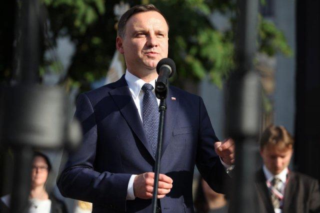 Andrzej Duda chce odbudować zaufanie do polityków.