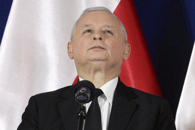 """Jarosław Kaczyński przystąpił do formowania """"liczącego dziesiątki tysięcy osób korpusu wolontariuszy"""""""