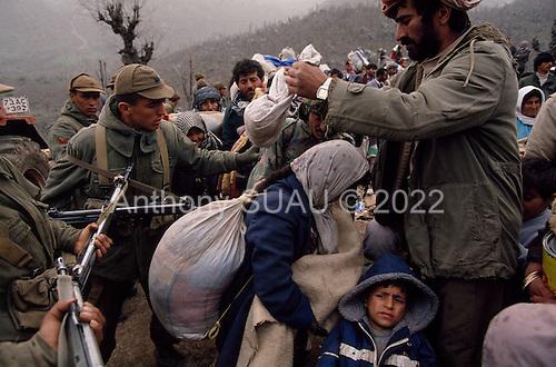Kurdish Refugees 1991   ARCHIVE ANTHONY SUAU