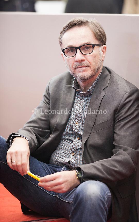 Marc Dugain La Chambre Des Officiers : dugain, chambre, officiers, Dugain, Leonardo, Cendamo