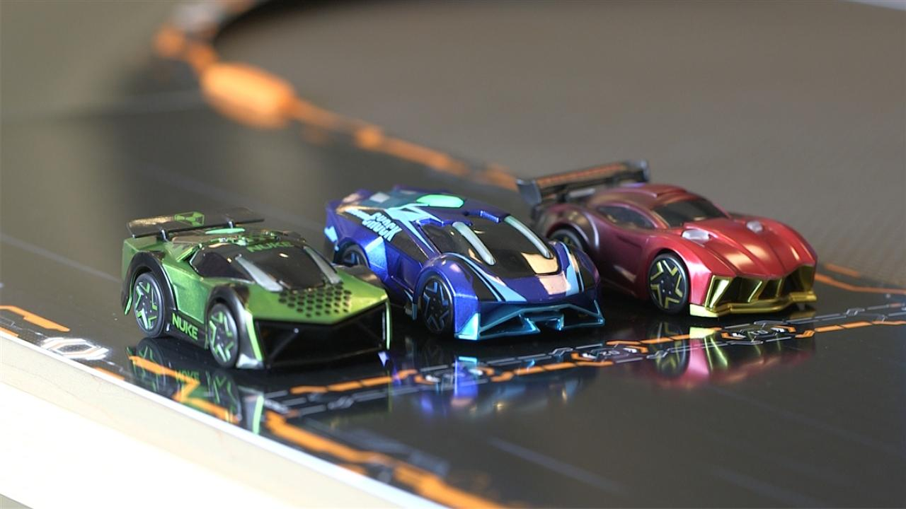 Iphone X Cool Wallpaper Features Anki S Robot Toy Cars Get Build It Yourself Track