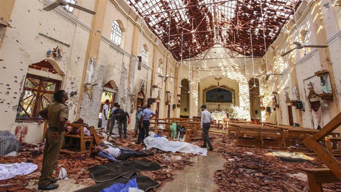 Risultati immagini per sri lanka bombing