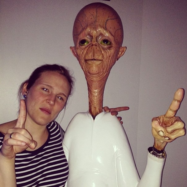 @annikaweber meeting the alien.