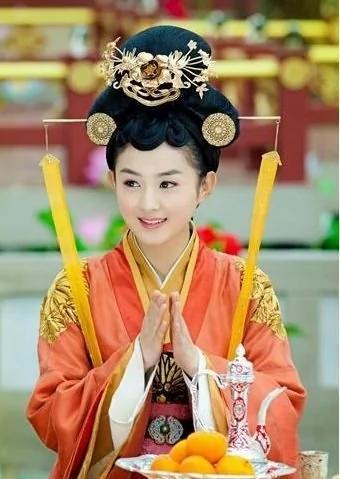 曝「陸貞」趙麗穎曾當三陪 整容前是「甩餅臉」 組圖