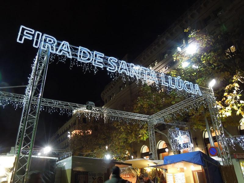 Iluminacin navidea en Barcelona V y Fira de Santa Llcia