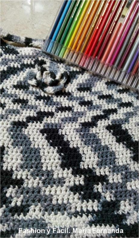 Tejer a ganchillo una cartera o bolso tipo bandolera yin yang A crocheted bag yin yang  Paperblog