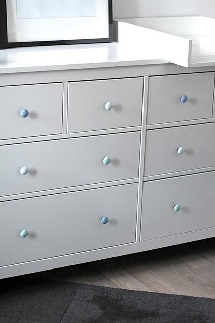 Pintar los pomos de la cmoda hemnes de Ikea con un pincel de espuma  Paperblog