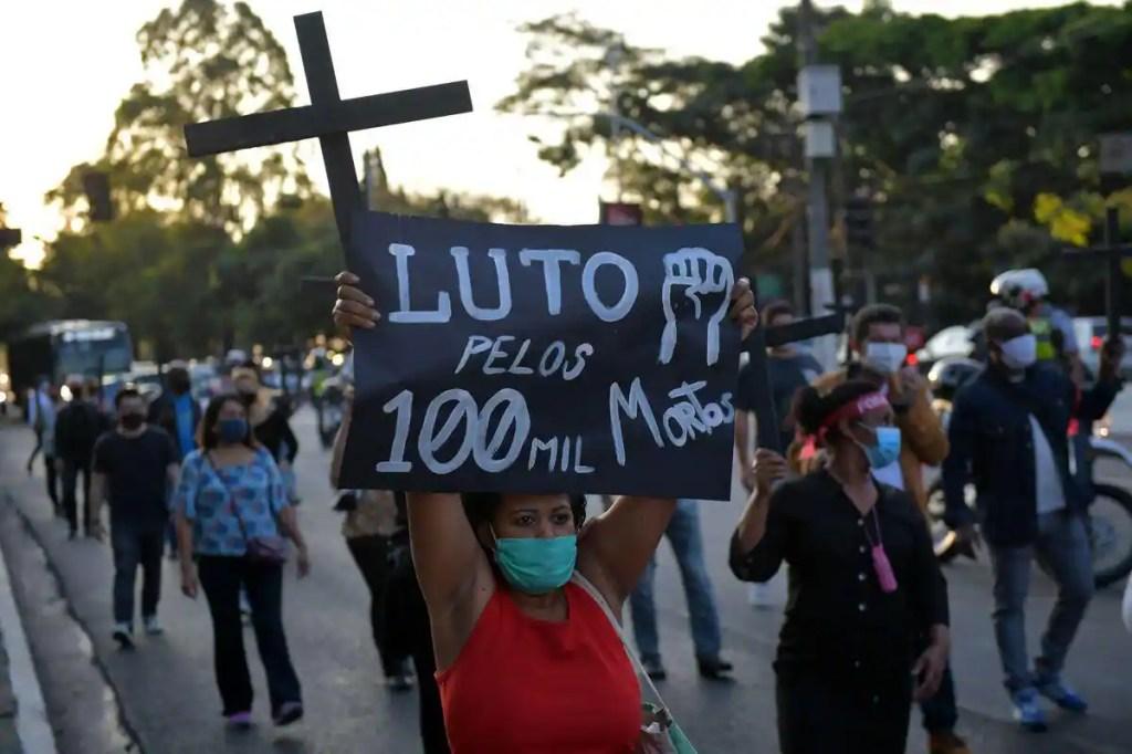 COVID-19: 100 000 morts au Brésil, pas un mot de Bolsonaro