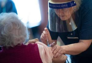 Vaccination: ouverture de la prise de rendez-vous pour les 75 ans et plus à Québec