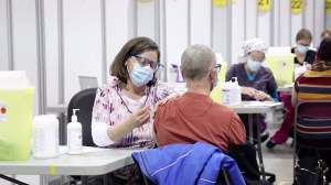 Vaccination au Québec: au tour des jeunes de montrer leur adhésion