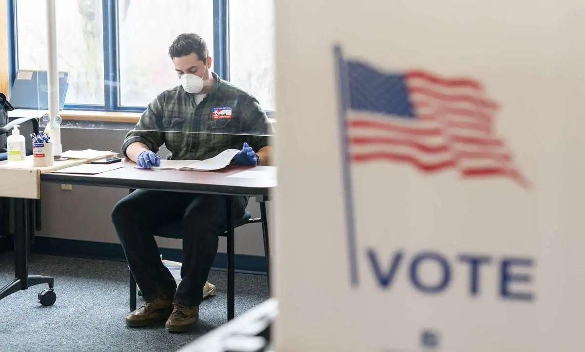 Électeurs masqués et controverse: fin du vote dans le Wisconsin