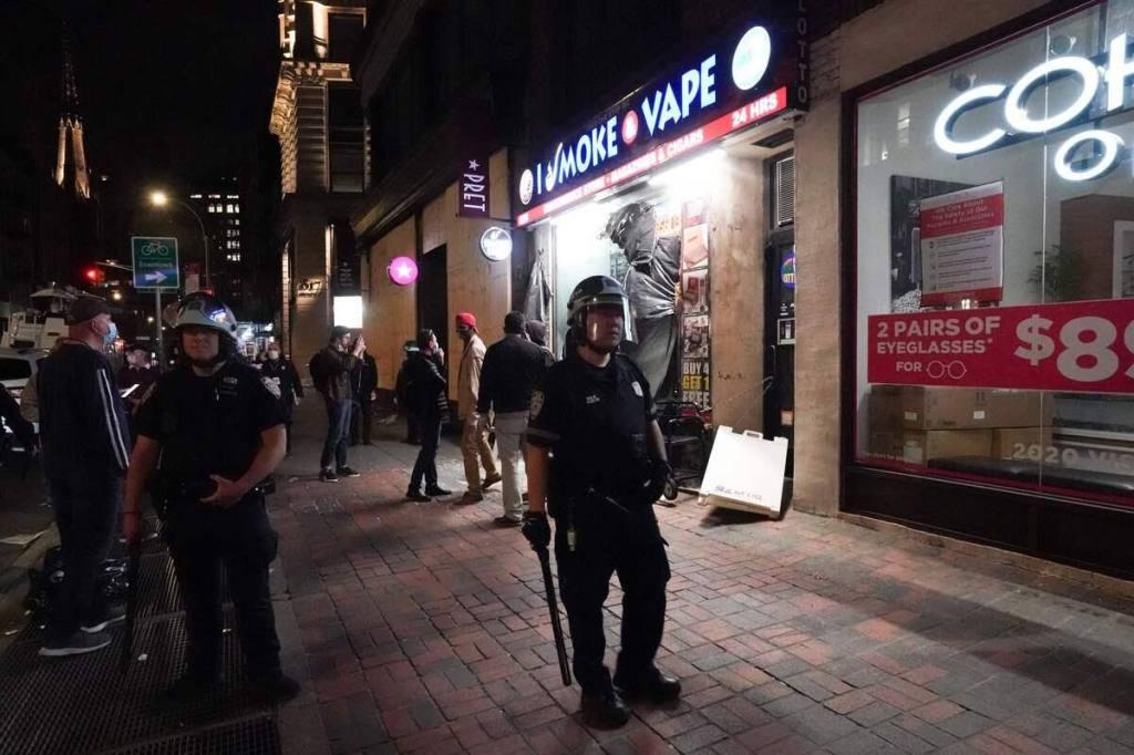La pandémie et les émeutes assomment les commerçants de Minneapolis