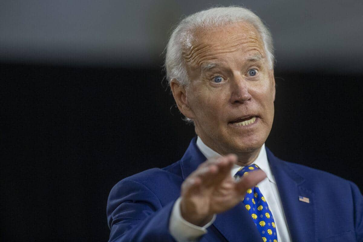 Biden rejette, irrité, l'idée de passer un test cognitif