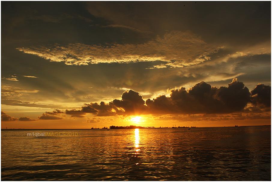 Pagi Petang di Pantai Losari Makassar (5/5)