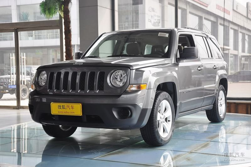 【Jeep自由客 2011款2.4 經典升級版外觀礦石灰金屬漆圖片t982177】_Jeep圖片_搜狐汽車網
