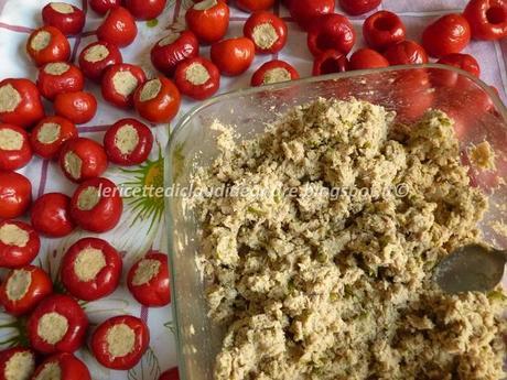 Peperoncini tondi ripieni con tonno e olive verdi  Paperblog