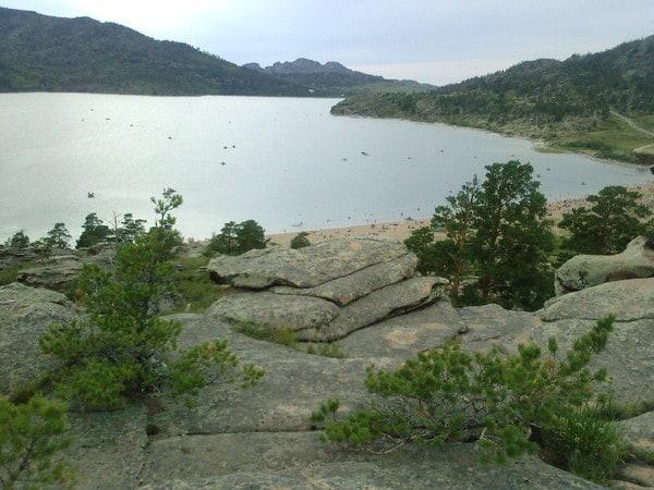 Самое крупное озеро — Сабындыколь (каз. Сабындыкөл, буквально — «мыльное озеро»), на берегу которого располагается поселок Баянаул.