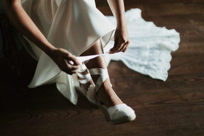 Fotógrafos de bodas en Asturias, alpargatas de novia