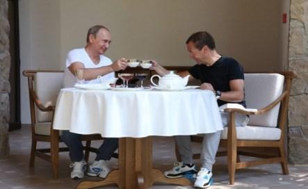 Владимир Путин и Дмитрий Медведев след тренировката