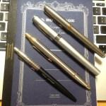 油性ボールペンも芯が太い方が書きやすい。