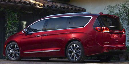 Chrysler Pacifica 2017 - Rear
