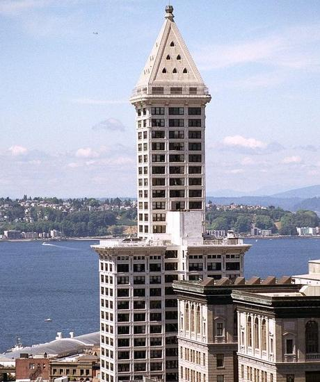 Seattle S Lighthouse Apartment In The Smith Tower Paperblog