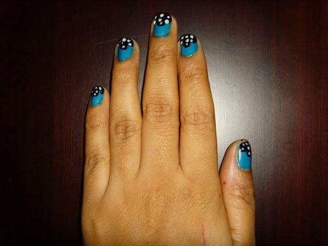 Easy Nail Art With Blue White And Black Paints