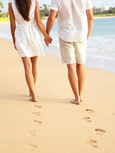 5 Surprising Benefits of Holding Hands for Married Couples