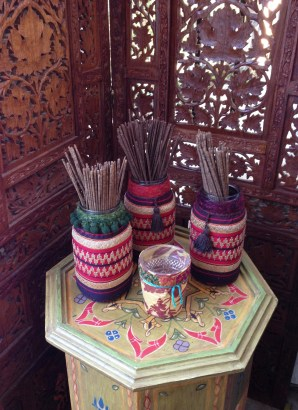 incense display