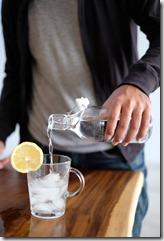 eau et citron pour moins de nausées