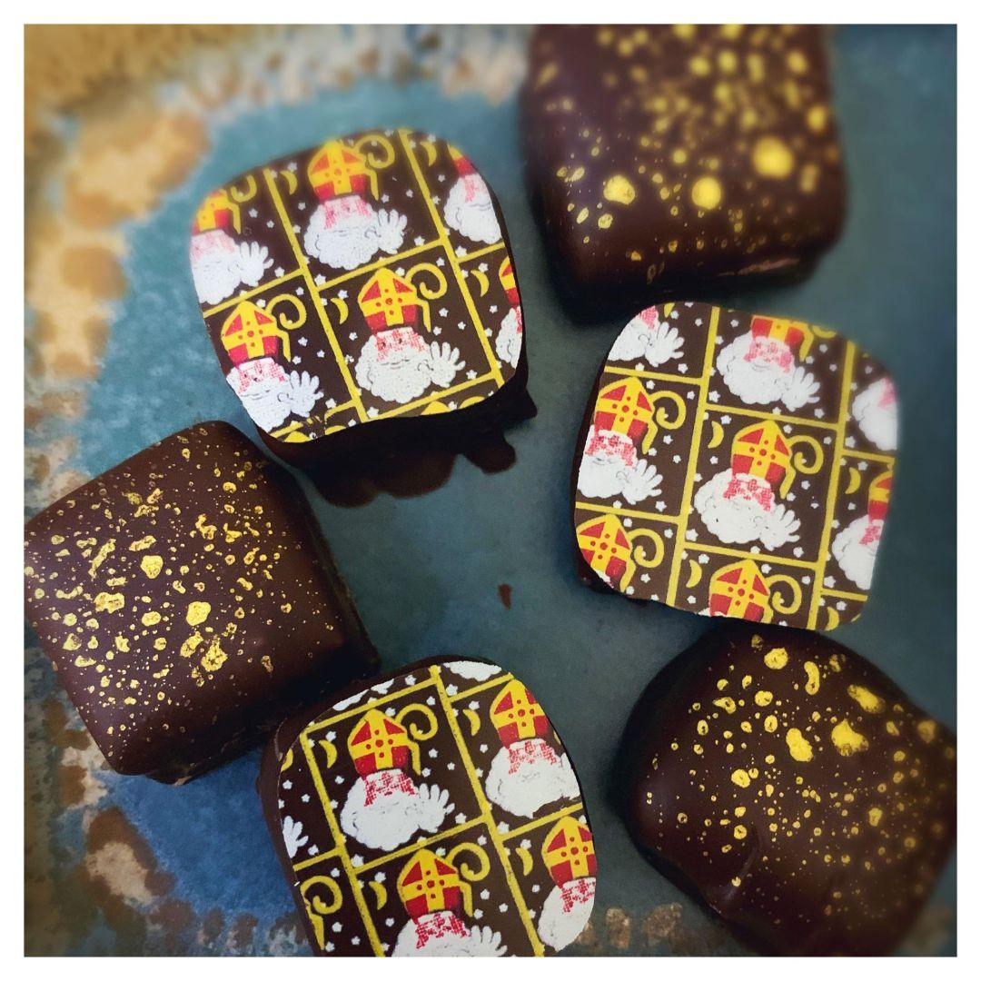 Pralines au praliné noisette et spéculoos enrobées #SaintNicolas