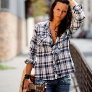Aude Henneville et sa guitare