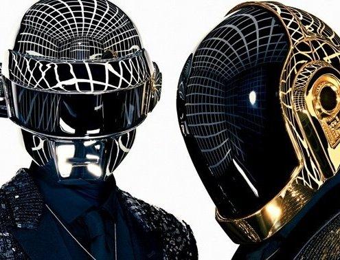 le duo daft punk et leurs casques