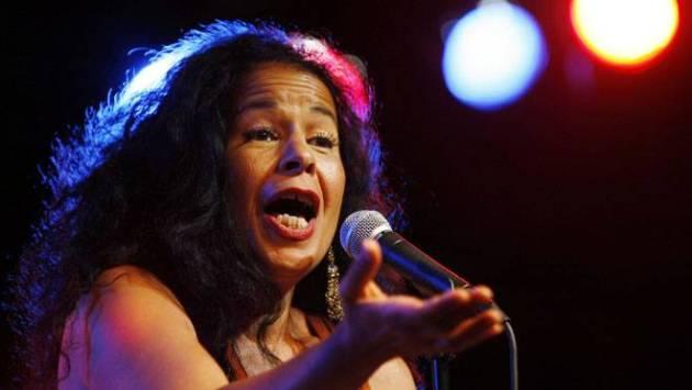 retrouvez la chanteuse de jazz Molly Johnson en concert