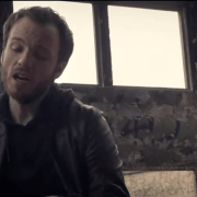 L'artiste français Benoît Dorémus pour la sortie de son clip