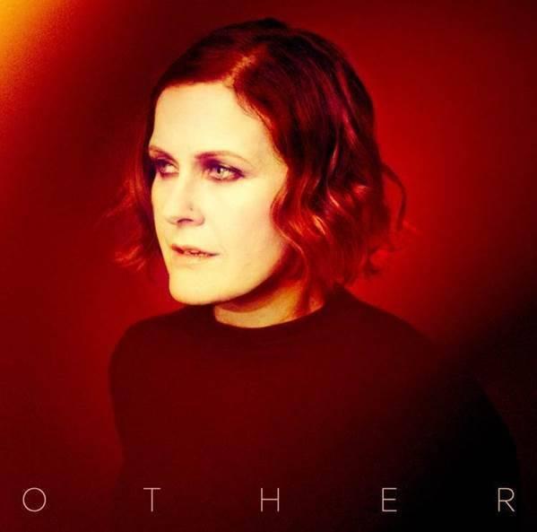 Other, le dernier album de Alison Moet est disponible, voici la pochette