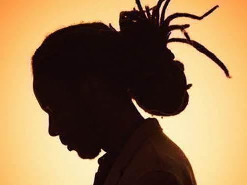 ombre chinoise de l'artiste reggae haïtien Williams Brutus