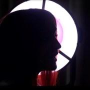 portrait de Caryn Trinca de profil en contre jour