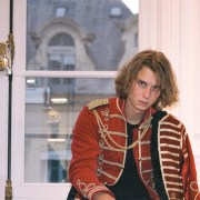 portrait de l'artiste Thorgan lors de la Fashion Week à Paris
