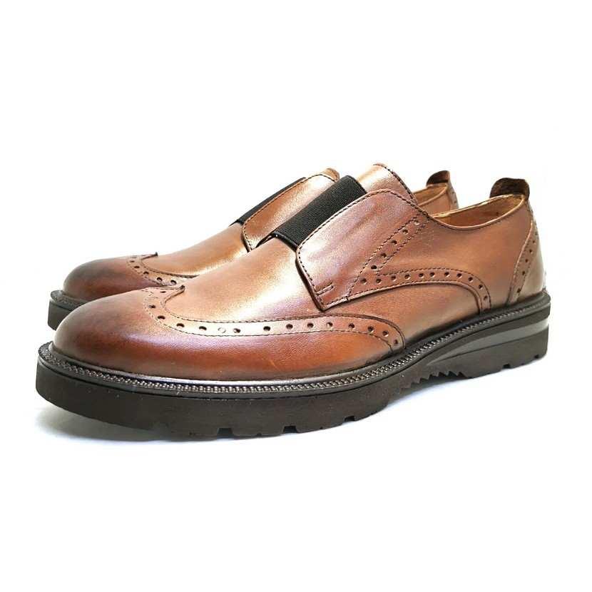 chaussure richelieu cranté camel
