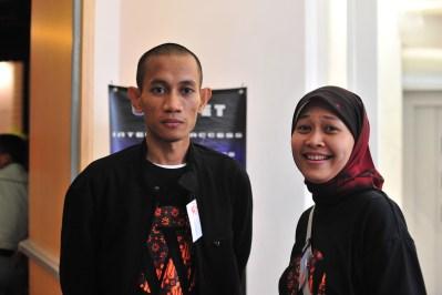Elok Dewi Astuti, Valent Mustamin